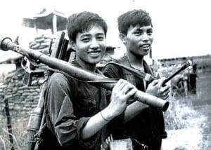 Phân tích nhân vật Việt và Chiến