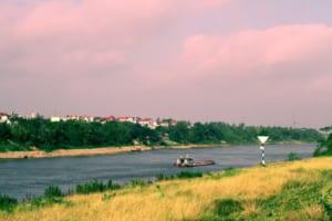 Thế giới Kinh Bắc trong bài thơ Bên kia sông Đuống của Hoàng Cầm